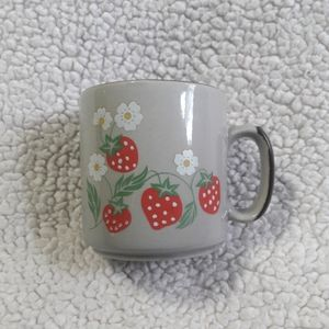 Vintage Strawberry Flower Blossom Vine Mug 12 Oz